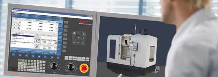 The Rexroth IndraMotion MTX micro trainer in action on a computer